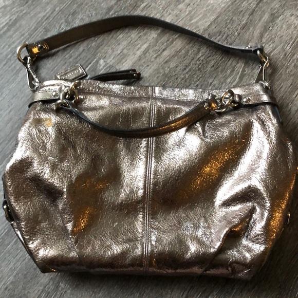 Coach Handbags - Lightly used Coach Silver/Gold Brooke purse